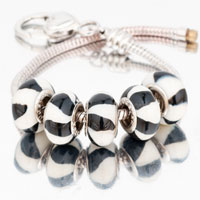 Bracelets - 5  pcs set black and white bundle murano glass beads charms bracelets fit all brands Image.