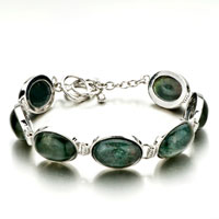 New Year Deals - classic oval deep green stone bracelets Image.
