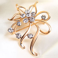 Vintage Gold Floral Brooches Pin White Rhinestone Crystal Flower Brooches