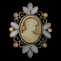 Vintage Victorian Design Queen Lady Crystal Gold Cameo Brooch Pin Pendant