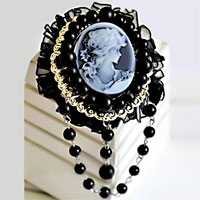 Vintage Antique Victorian Gold Carved Shell Black Cameo Brooch Pin Crystal