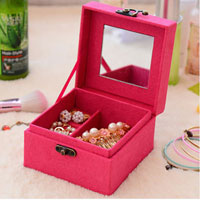 KSEB SHEB Items - two layer lint jewelry box /  organizer /  display storage case with lock plus kloud cleaning cloth rose pink Image.