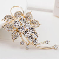 Fashion Jewelry White Rhinestone Crystal Petal Flower Brooch Pin