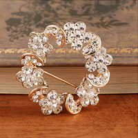 Vintage White Rhinestone Crystal Gold Wreath Flower Brooch Pin Women