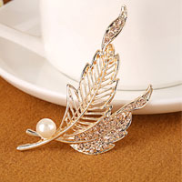 Crystal Rhinestone Decor Gold Light Yellow Leaf Pearl Brooch Pin