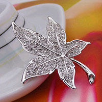 Vintage Fashion Maple Leaf White Clear Rhinestone Crystal Brooch Pin Womens