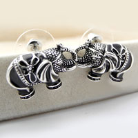 Earrings - vintage cute elephant stud aniaml earrings rerto jewelry Image.