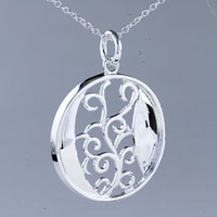 relation - circle flower pattern pendant necklace Image.