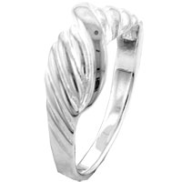 Rings - braid with twist ring Image.