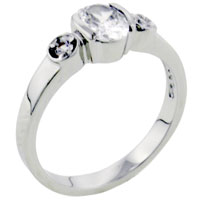 Rings - size9  oval clear crystal cz sterling silver ring for fashion women Image.