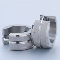 Earrings - men' s staineless steel hinged hoop earrings most silver circle groove hoop earrings Image.