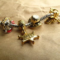 Charms Beads - SILVER SNOWFLAKE STAR TEXAS DANGLE CHARM BRACELET SPACER GOLDEN alternate image 4.