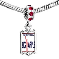 Charms Beads - red crystal dangle statue liberty pattern Image.
