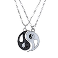 Fashion Lover Friends Yinyang Symbol Pendant Necklace