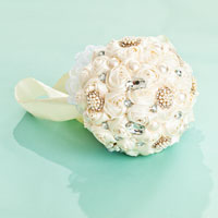 White Silk Ribbon Rose Lace Wedding Bouquet Pearl White Crystal Pin Brooch