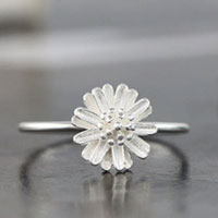 Girl S Lovely Cute 925 Sterling Silver Cute Retro Daisy Flower Ring Size 8