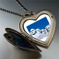 Necklace & Pendants - travel mount rushmore photo large heart locket pendant necklace Image.