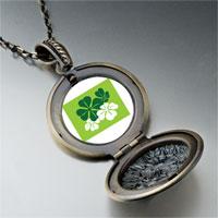 Necklace & Pendants - green leaf clovers pendant necklace Image.