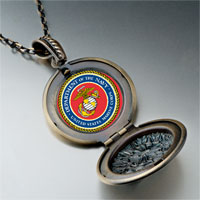 Necklace & Pendants - gold plated character patriotic photo round and flower pendant Image.