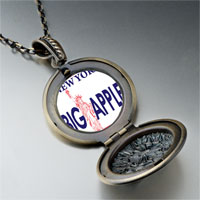 Necklace & Pendants - statue liberty pattern round flower pendant gifts for women necklace Image.
