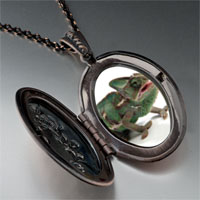 Necklace & Pendants - green iguana pendant necklace Image.