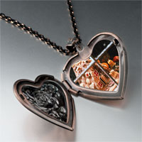 Necklace & Pendants - christmas window display heart locket pendant necklace Image.