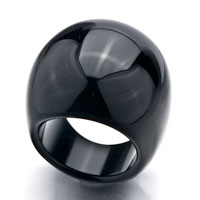 Black Terse Round Smooth Agate Ring