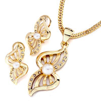 14 K Gold Plated Butterfly Clear Crystal Pearl Pendant Earrings Set